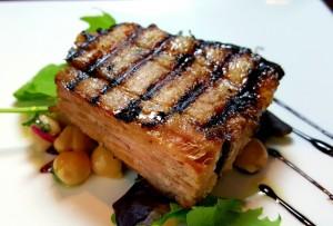 やわらか豚バラ肉のグリル 柚子胡椒香るマーマレードソース